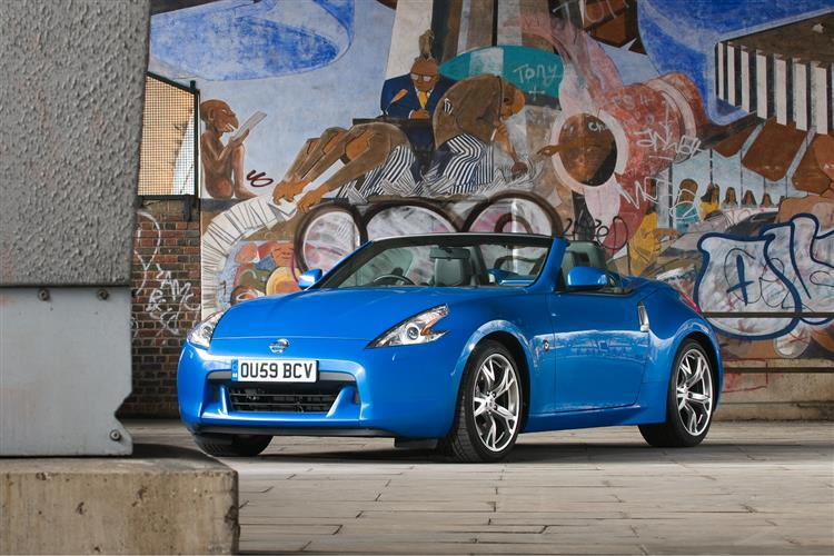 New Nissan 370Z (2009 - to date) review