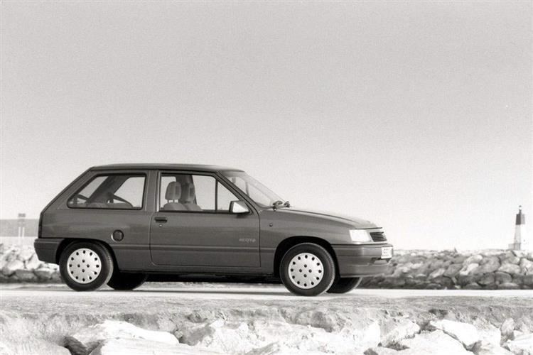 New Vauxhall Nova (1983 - 1993) review