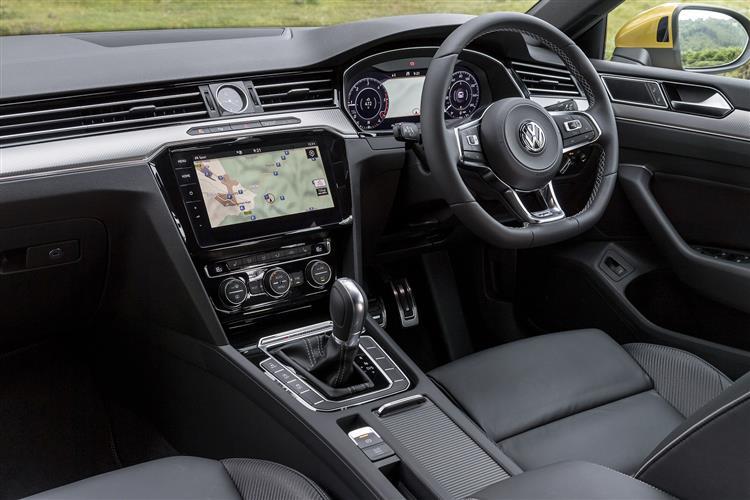 Volkswagen Arteon 2.0 TDI R-Line SCR 190PS DSG + DCC/20inch ALLOYS/DYNAUDIO/KEYLESS