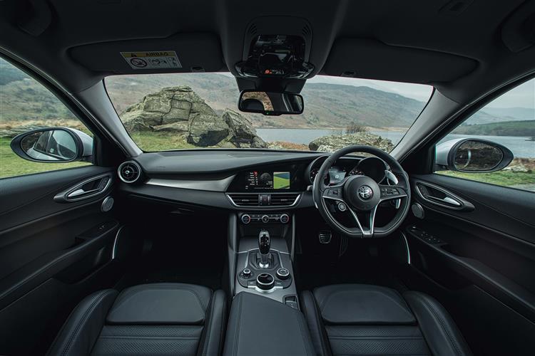 Alfa Romeo GIULIA 2.0 TB Super [Xenon] 4dr Auto [DAP+]