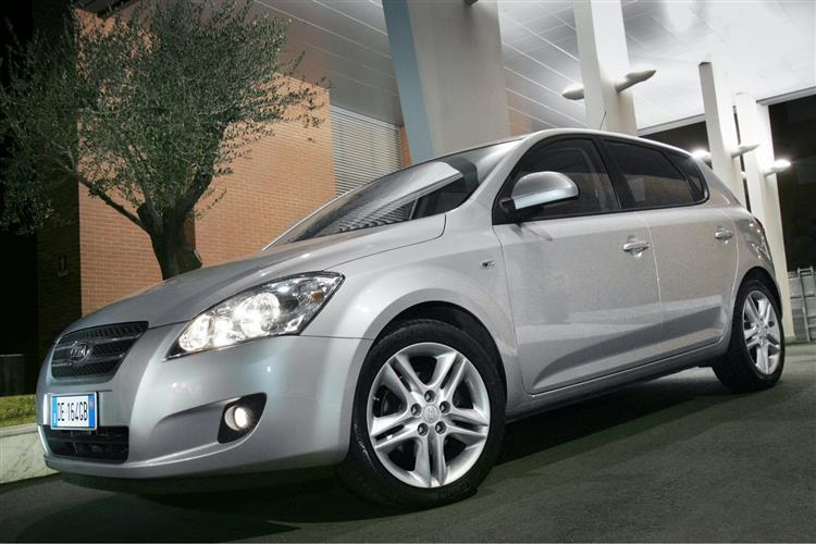 New Kia cee'd (2007 - 2009) review