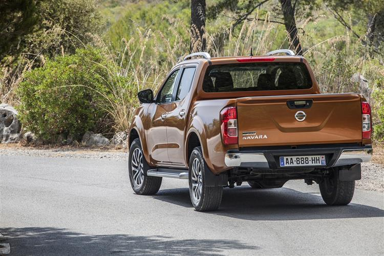 Nissan NAVARA Double Cab Pick Up N-Connecta 2.3dCi 190 4WD