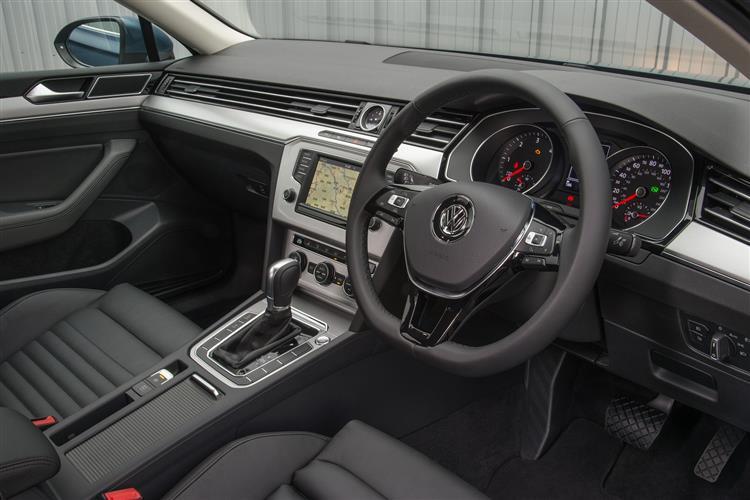 Volkswagen PASSAT 2.0 TDI EVO SE 4dr