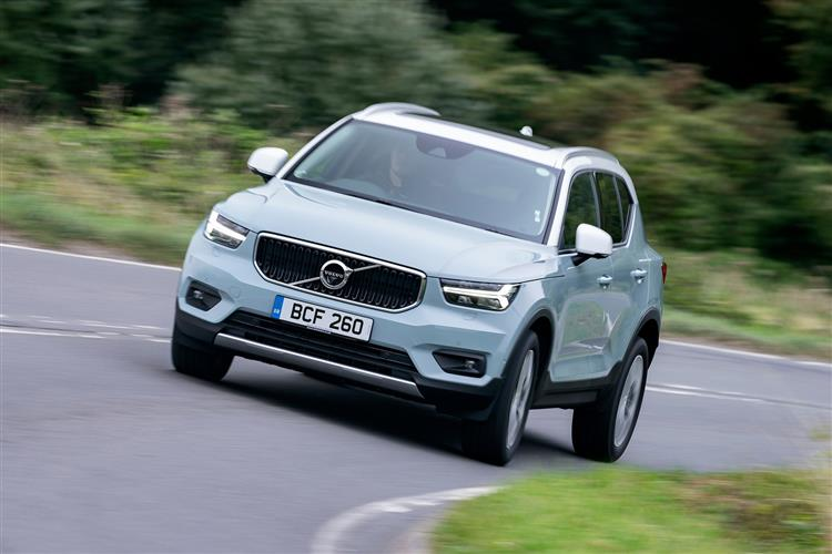 Volvo XC40 2.0 D3 Momentum Pro 5dr AWD Geartronic