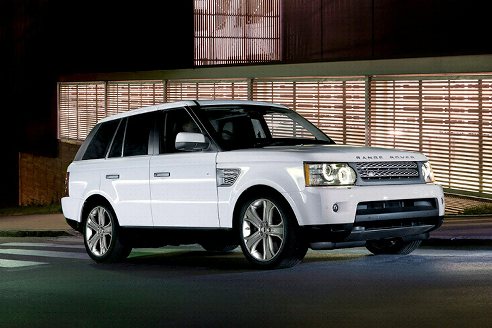 sporting chancer range rover sport 2005 2013. Black Bedroom Furniture Sets. Home Design Ideas