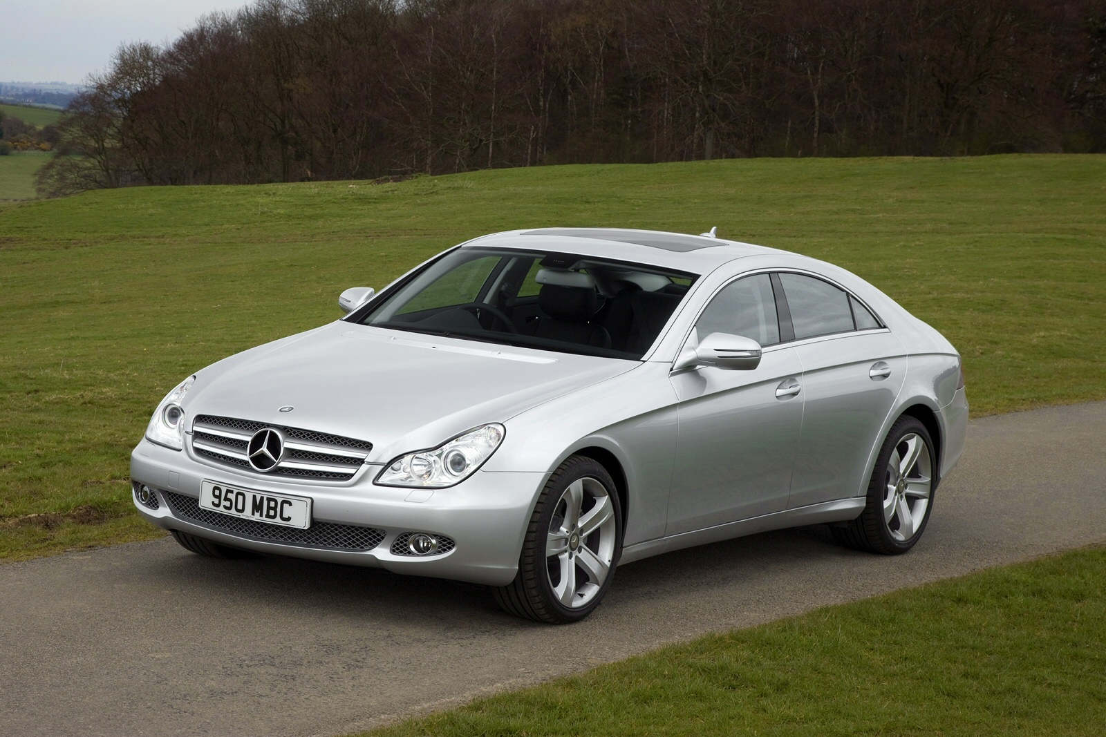 merc 39 s curve ball mercedes benz cls 2005 2010 range independent used review ref 806 208525. Black Bedroom Furniture Sets. Home Design Ideas
