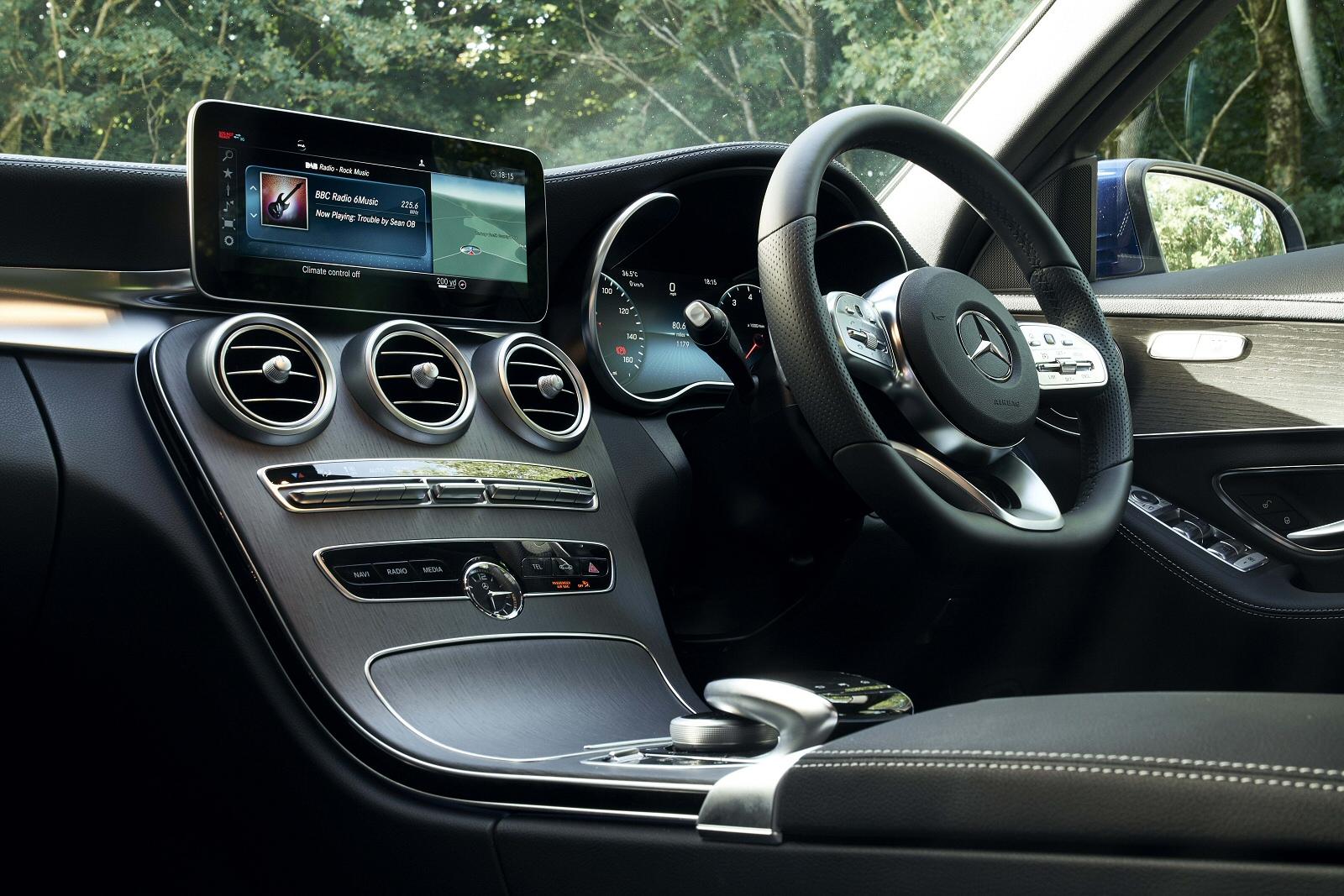 MercedesCClass0318Int(2)