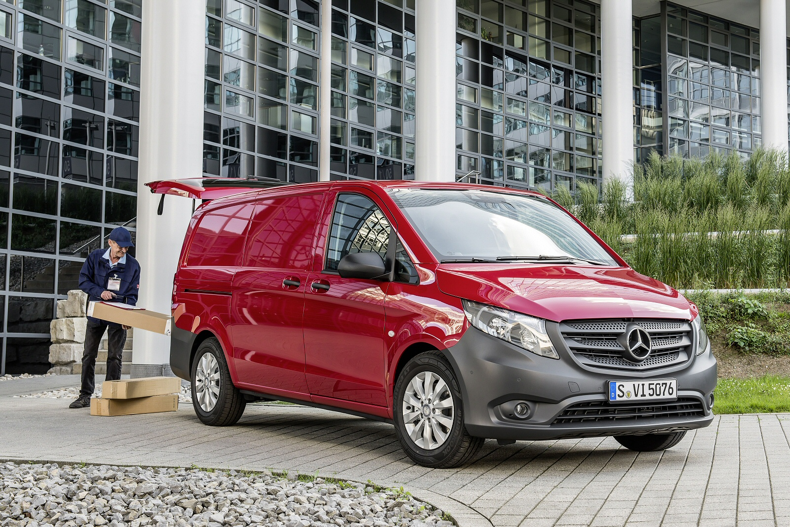 IN A CLASS OF ITS OWN?' - Mercedes-Benz Vito Range Independent New