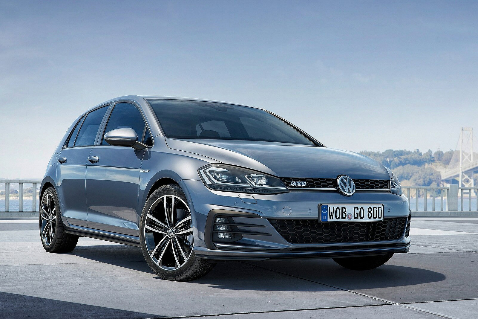 only the manual gearboxes but also the dsg twin clutch units all new golf models both diesel and petrol come with a stop start system as standard