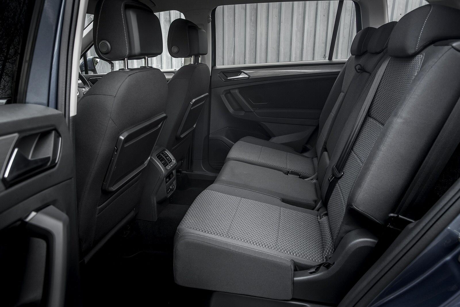 VolkswagenTiguanAllspace0219Int(3)