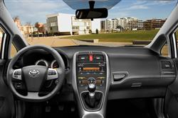New Toyota Auris (2007 - 2010) review