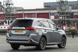 New Mitsubishi Outlander PHEV (2015 - 2017) review