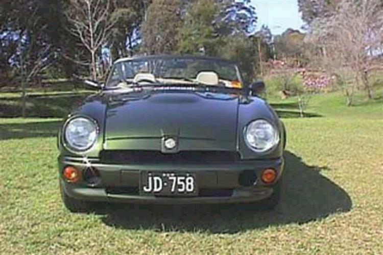 New MG RV8 (1992 - 1995) review