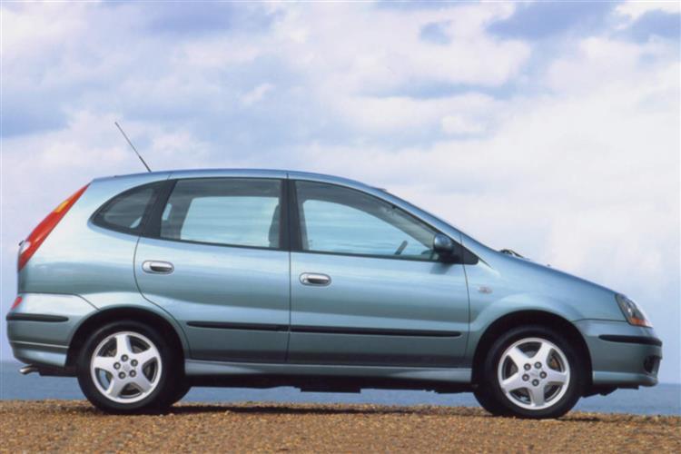 New Nissan Almera Tino (2000 - 2006) review