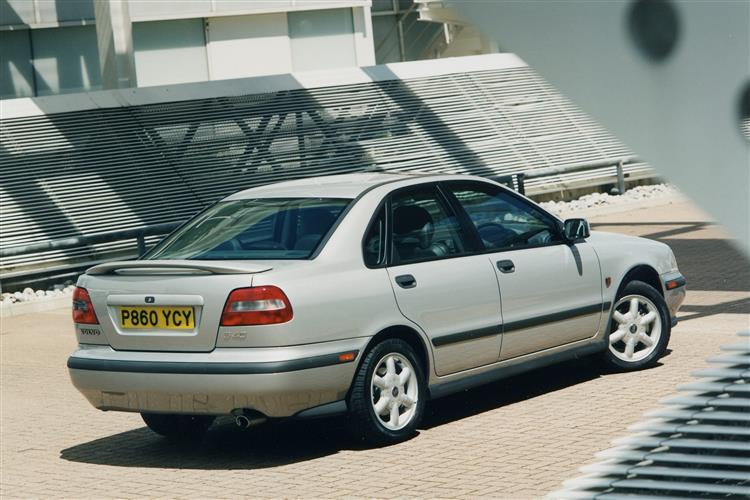 New Volvo S40 (1996 - 2004) review